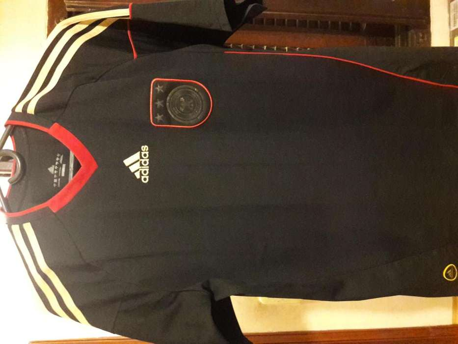 Camiseta original Alemania alternativa usada impecable 2009 Talle M