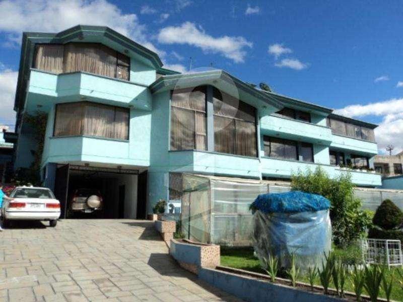 Venta <strong>edificio</strong> 3176 m2 construcc. 2400 m2 terreno, Los Nogales / Norte de Quito