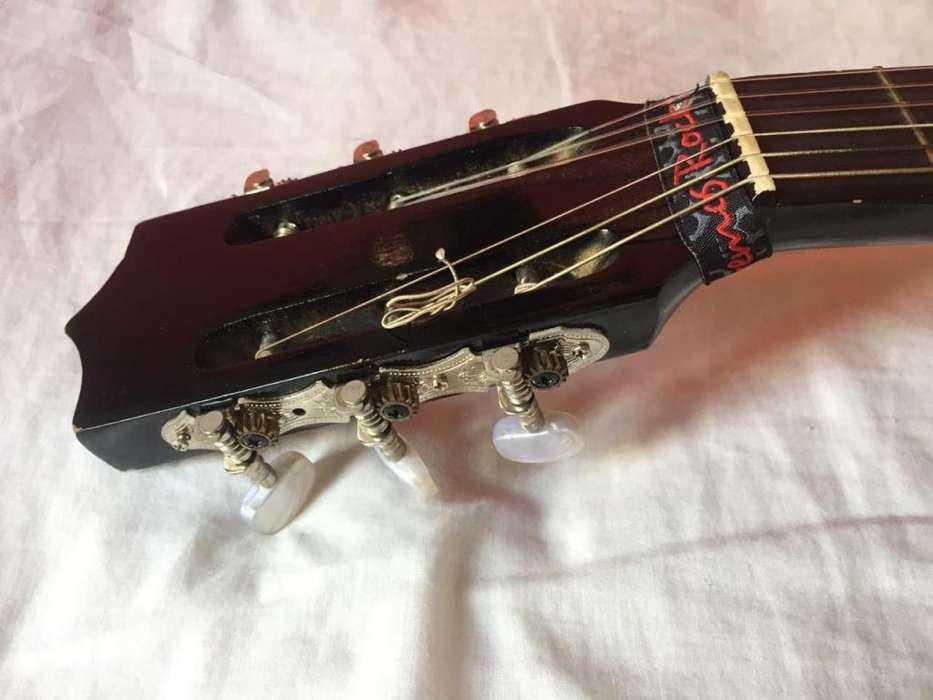 Guitarra negra