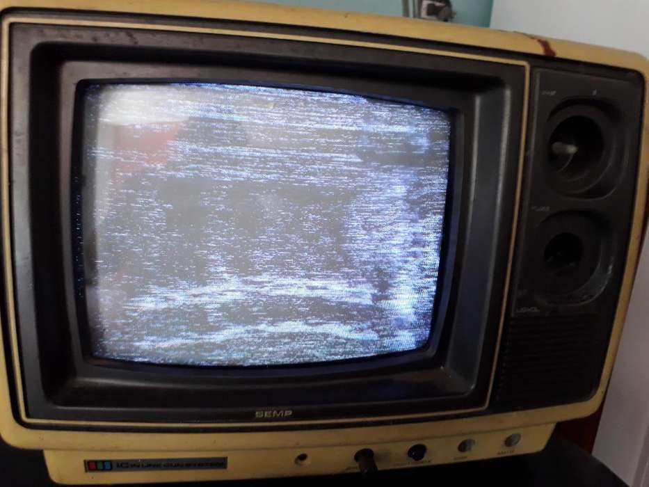 Tv Semp Blanco Negro