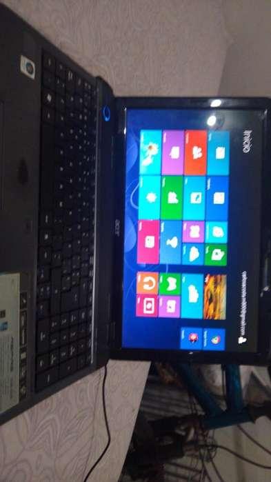Portatil Acer sin Batería Ni Cargador