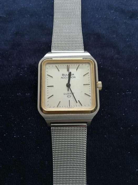 Reloj Bolova Accutron Japonés Quartz