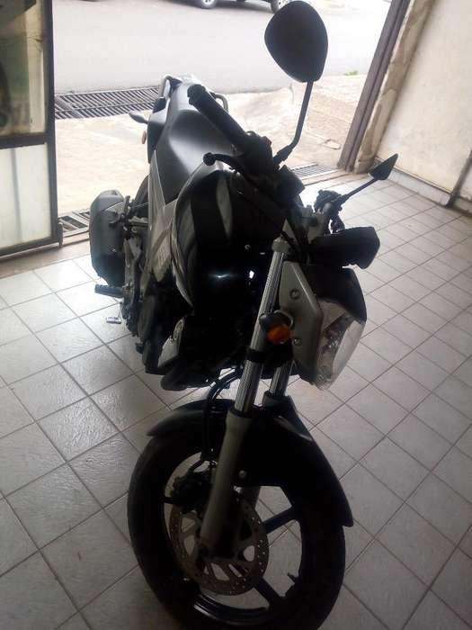 Vendo <strong>yamaha</strong> Fz 2011
