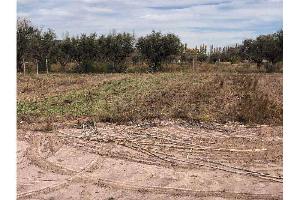 Venta terreno 630 m2 en Perdriel, Mendoza