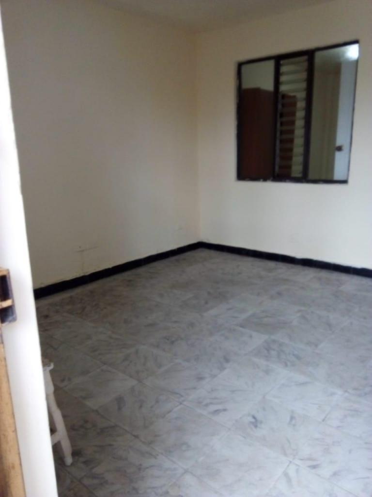 Apartamento Piso 2 Sector El Nogal. Código 876631