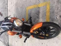 Kawasaki Vulcan 900 versión de aniversario