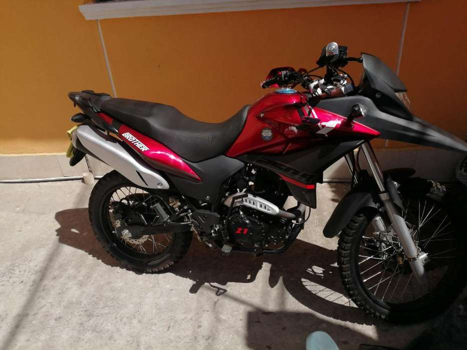 Se Vende Moto Z1 Brother 250
