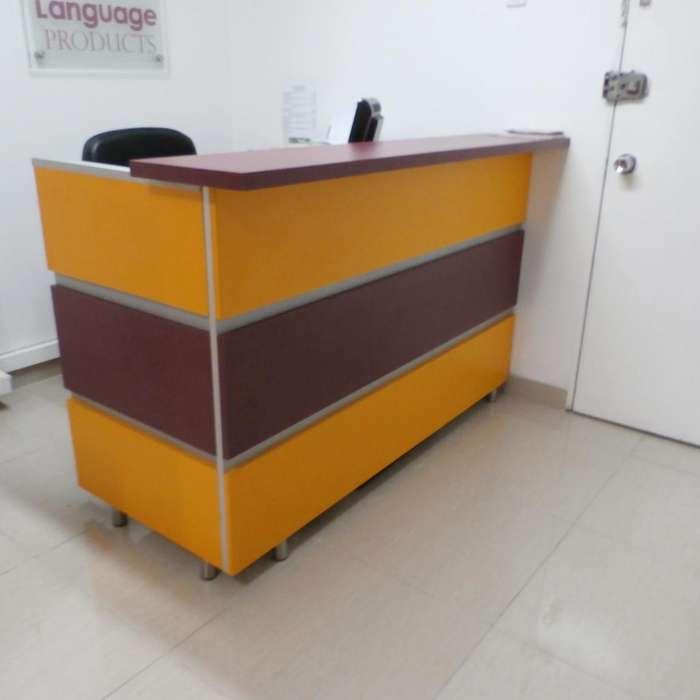 Muebles para Oficina Divisiones puestos de trabajo y recepciones.