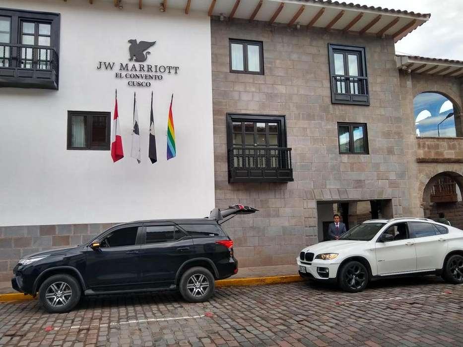 Alquiler de Camionetas 4X4 y Camionetas de Lujo BMW Toyota H1 Minivan. Minibus y Autos modernos 2018.
