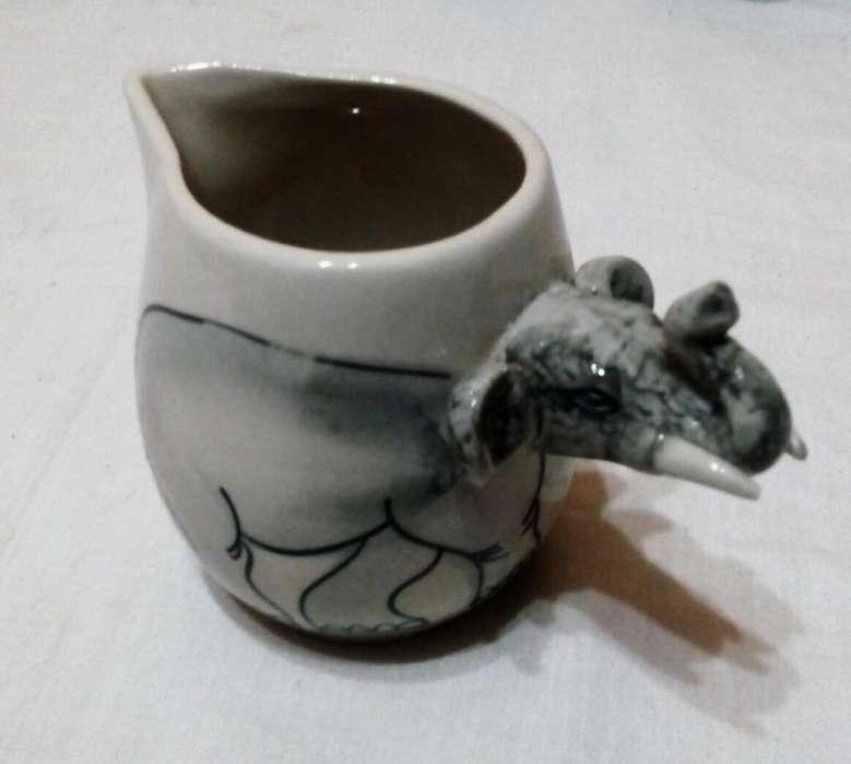 Antigua Lechera Cremera De Porcelana Motivo Elefante