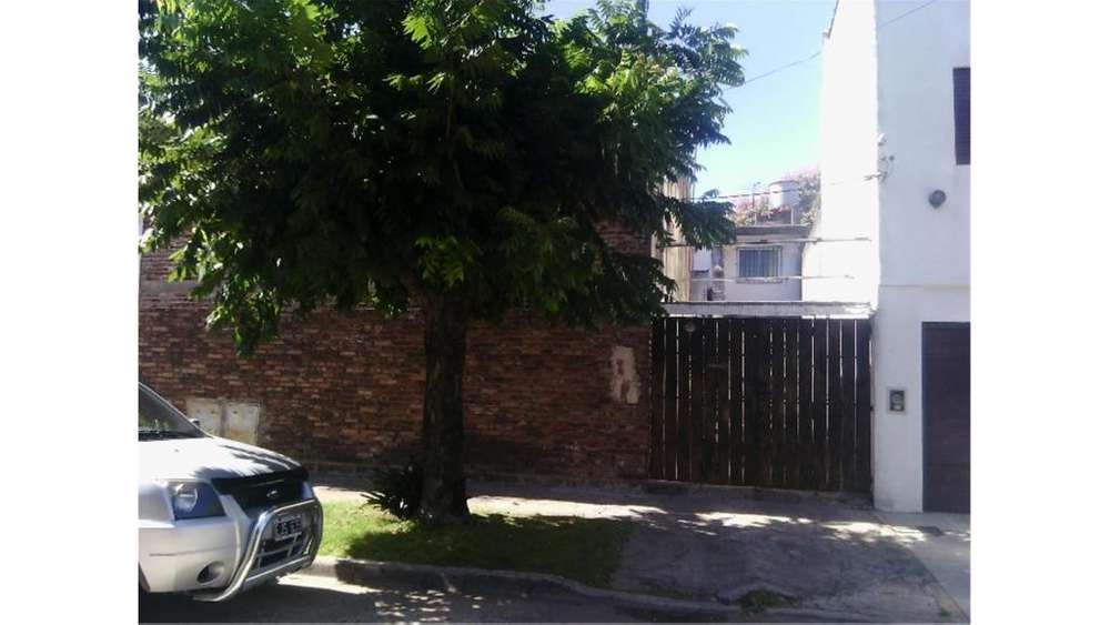 Viamonte 5300 - UD 220.000 - Casa en Venta