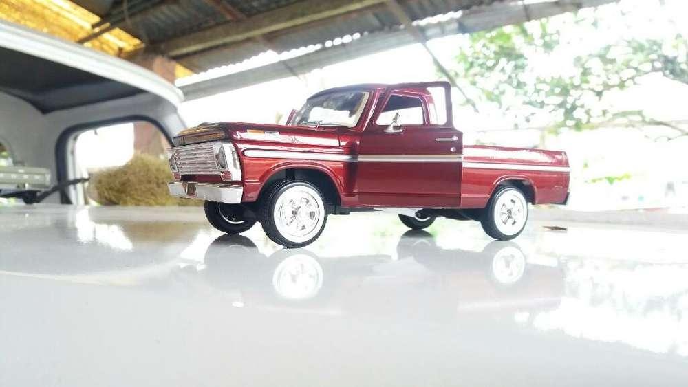 Ford 100 Del 9 a Escala 1.34 .de 20 Cm