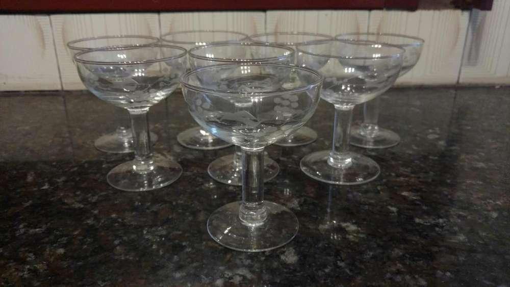 <strong>juego</strong> de 8 copas de vidrio