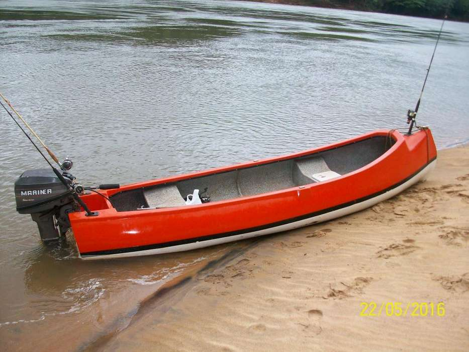 Vendo canobote cel 3751679253