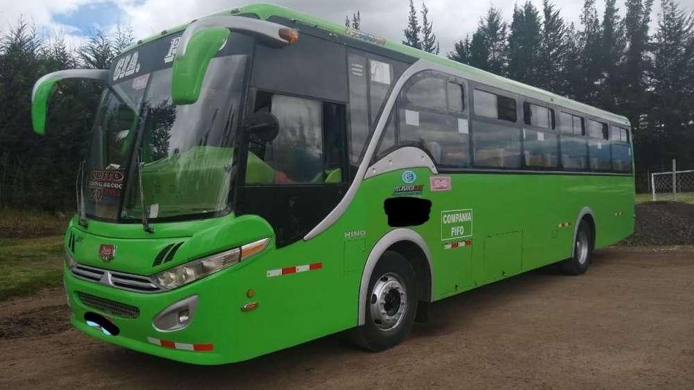 Vendo Bus Tipo Hino AK 2014