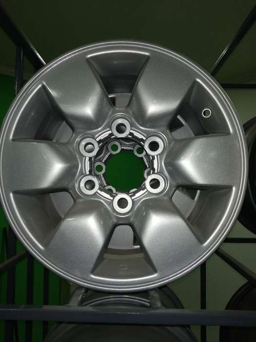 Toyota Llantas 15 Impecables