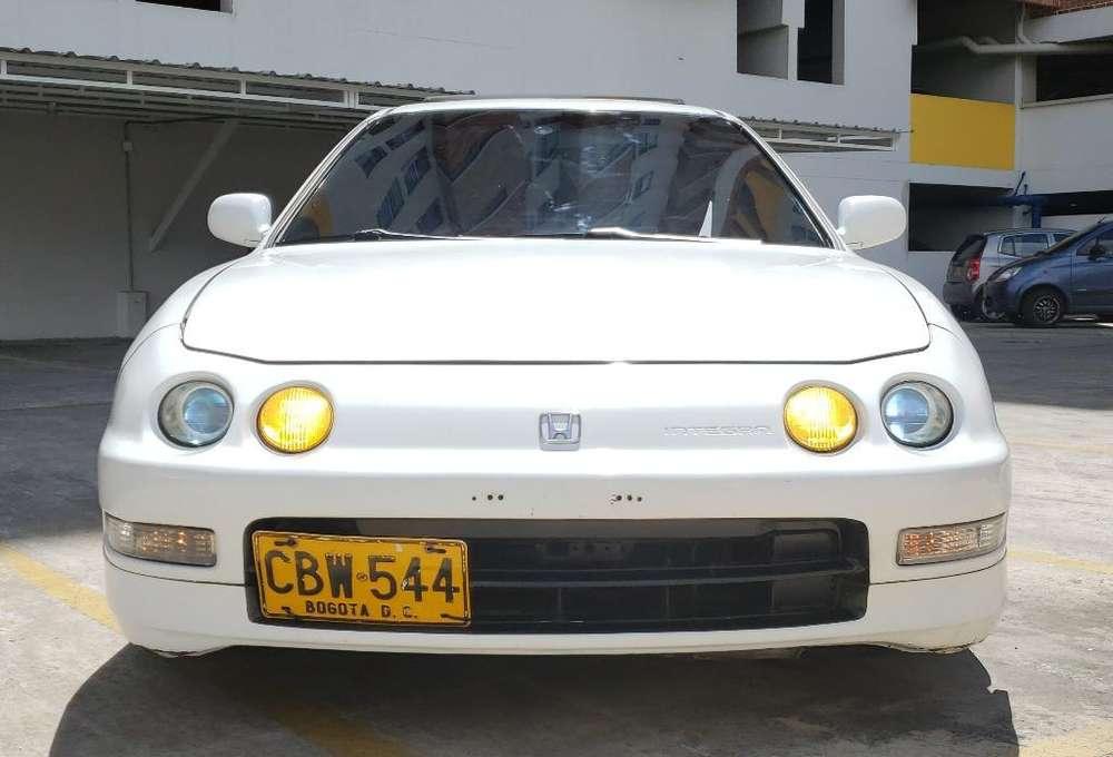 Honda Integra  1995 - 200000 km