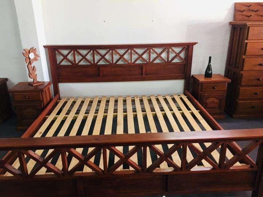<strong>cama</strong> EQUIS KING 2.00 X 2.00 MT DE ALGARROBO MACIZO