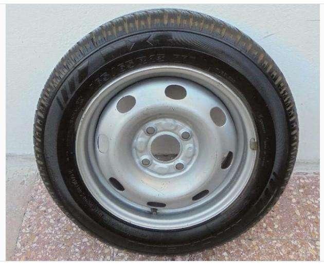 rueda cubierta y llanta michelin mxt 165/65 R13 Hurlingham