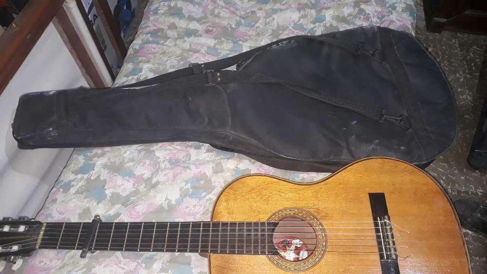 Gitarra Criolla con Estuche