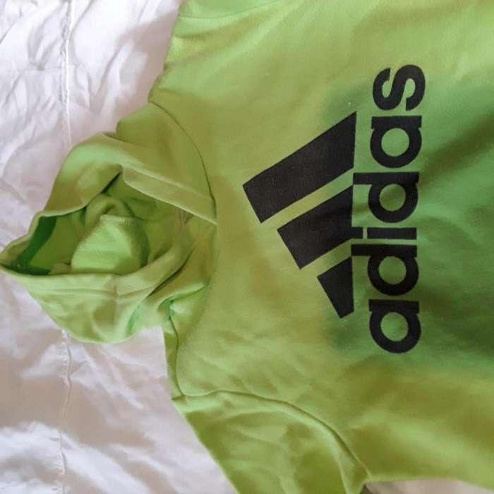 Buzo Adidas original usado talle 10.