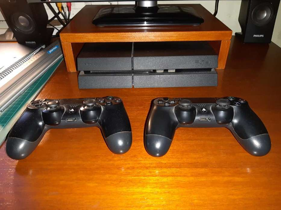Playstation 4 500gb -2controles-2 Juegos