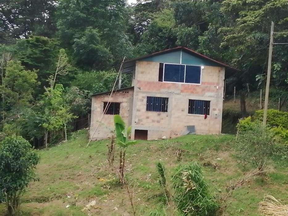 Casa lote de 1700mtrs cuadrados con casa de dos pisos 3218266349