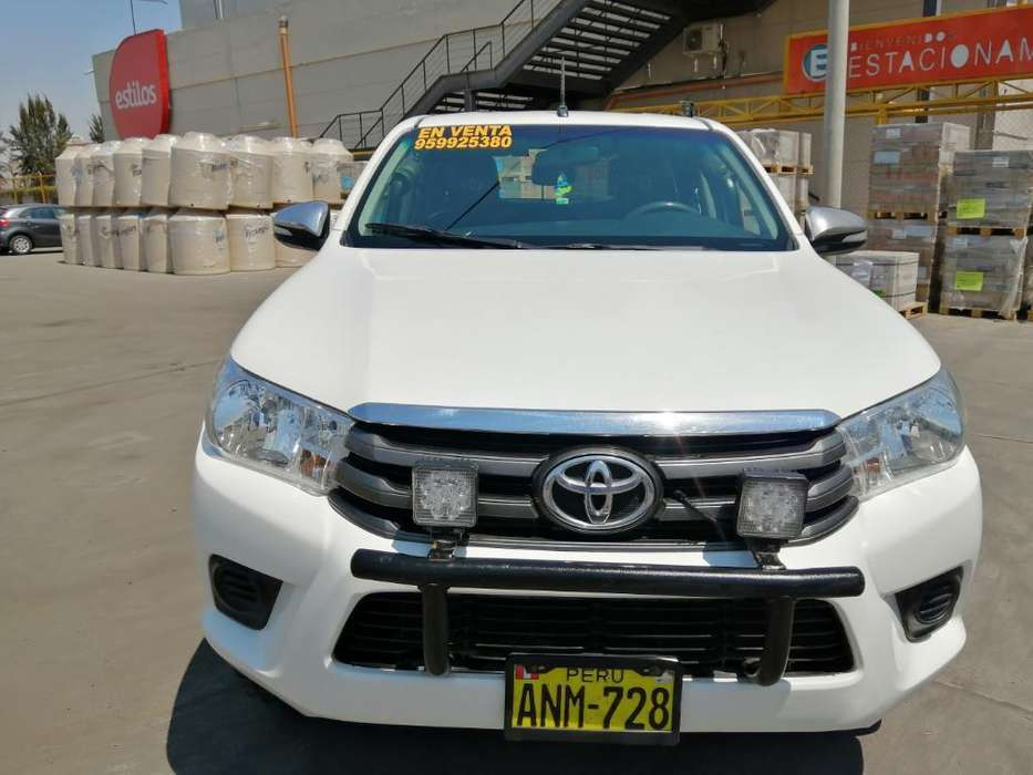 Toyota Hilux 2016 - 79858 km