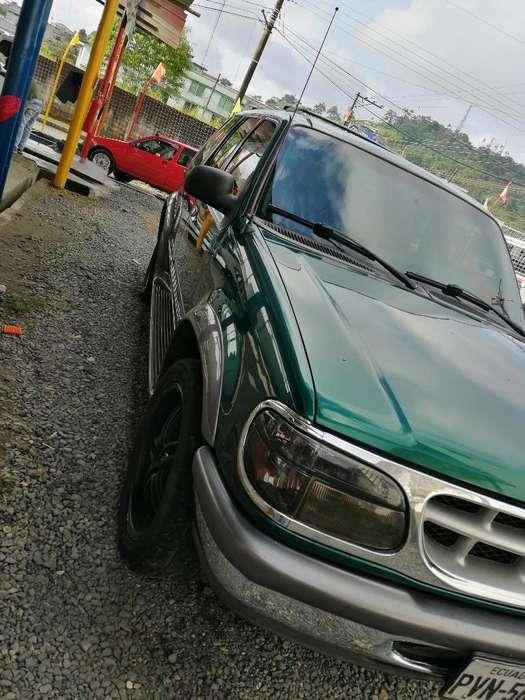 Ford Explorer 1999 - 260000 km