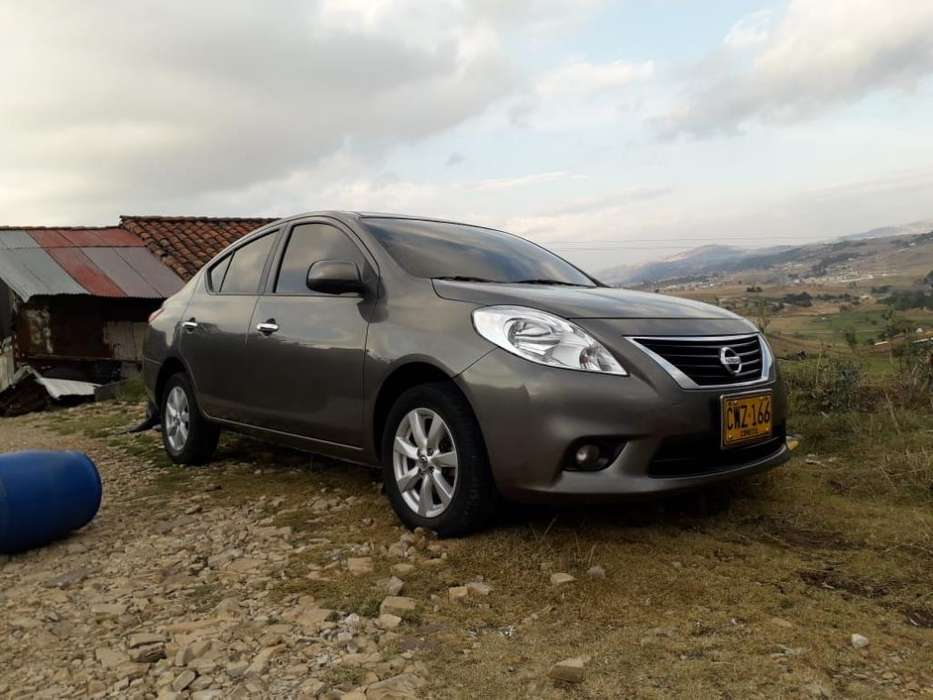 Nissan Versa 2013 - 111111 km