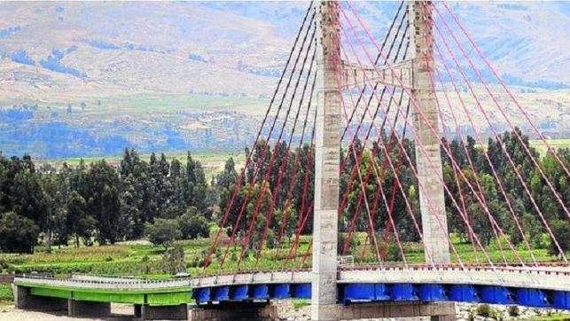 LOTES EN HUANCAYO CERCA AL PUENTE COMUNEROS DE 148 METROS S/18.000 TERRENO AGRÍCOLA 382 METROS S/14.000 CEL 971429025