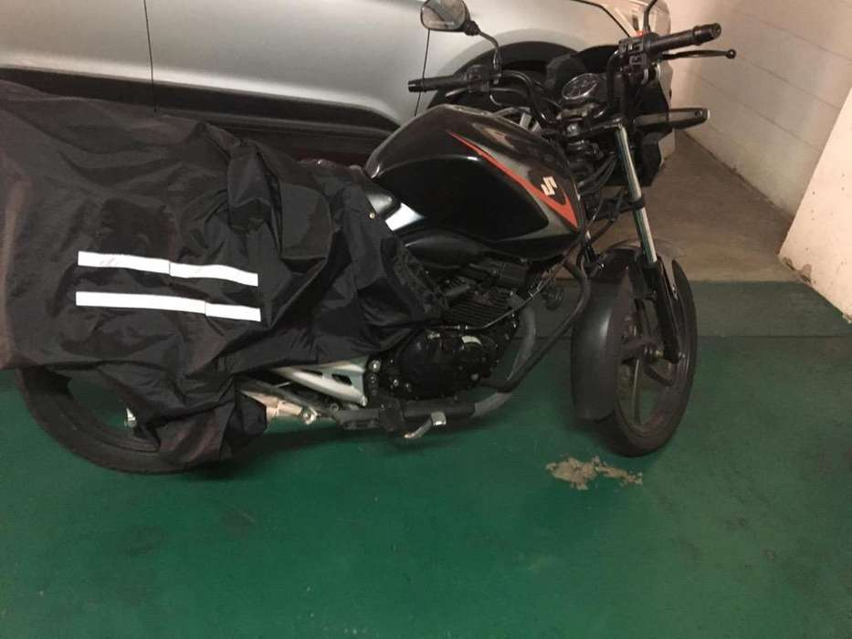 Moto Suzuki 150