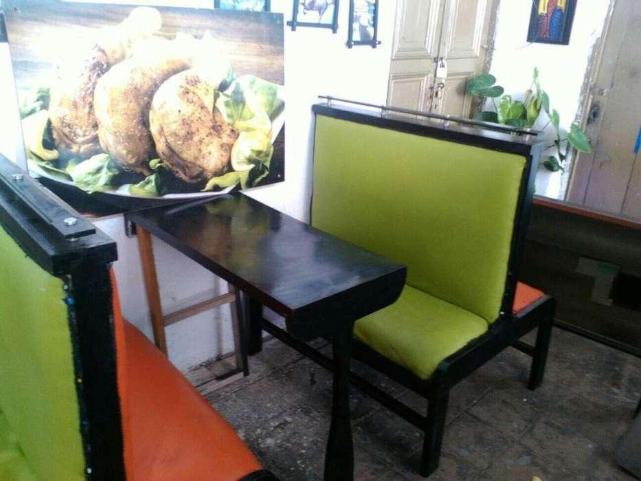 Sillas y mesas para negocio - restaurante o pollo