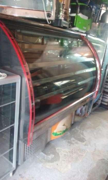 <strong>congelador</strong> carnicero 4 bandejas vidrio curvo