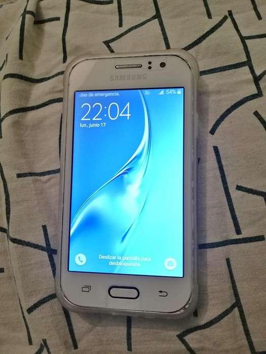 Vendo Samsung J1 Ace Libre para todas funda vidrio templado