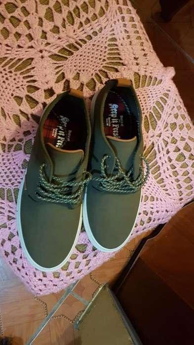 Vendo Zapatos Marca Bershka