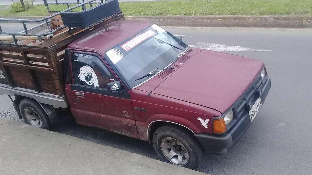 Vendo camioneta mazda 94 direccion mecanica 0992553835 mi nombre