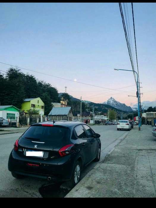 Peugeot 208 2018 - 7000 km