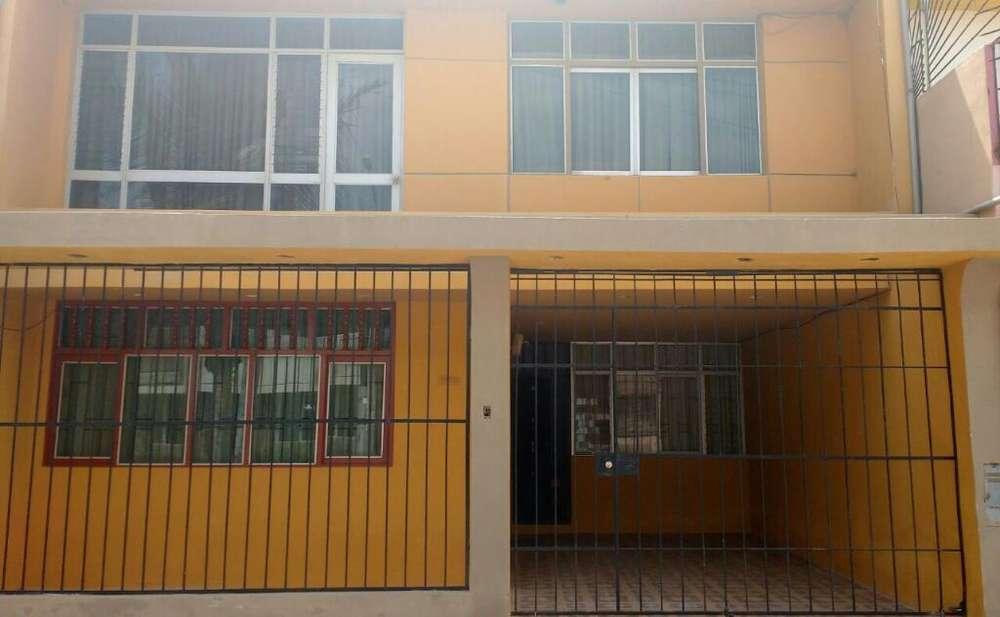 Alquiló casa primer.piso en urb Villarreal excelente.zona chiclayo