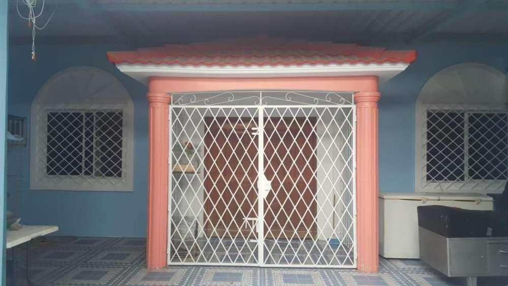 Venta de casa en ciudadela la fragata Sur de Guayaquil