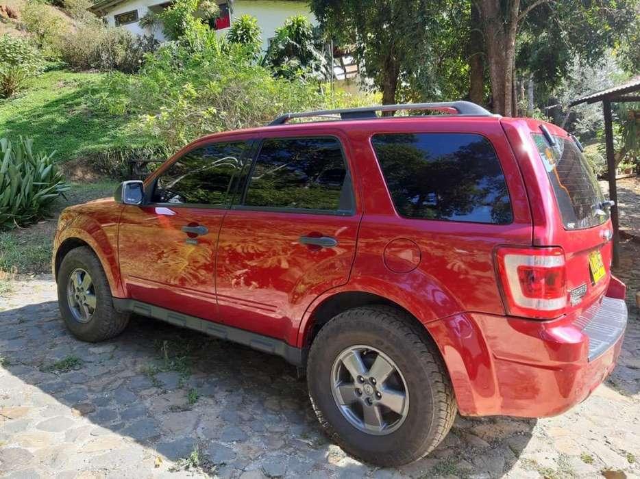 Ford Escape 2012 - 104000 km