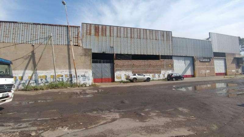Galpón de 3000 m2 sobre Camino Gral Belgrano