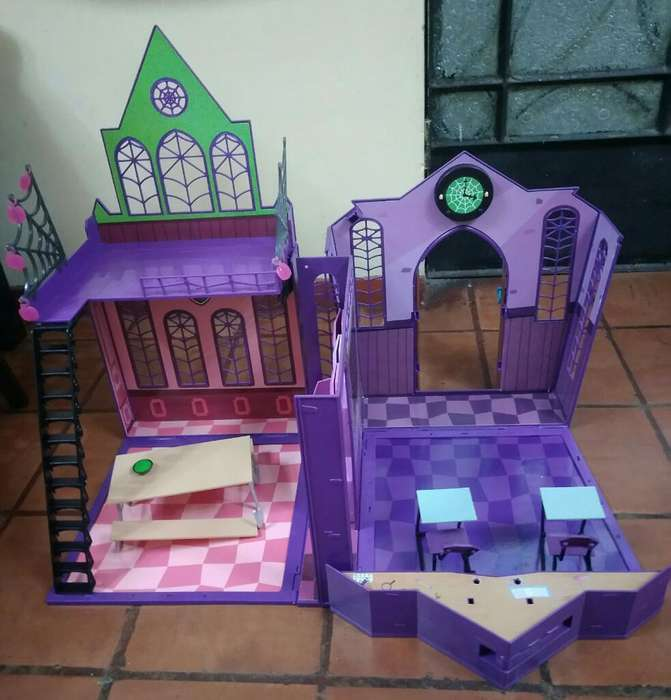 Monster High Escuela