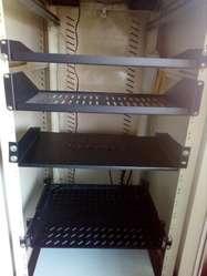 Gabinete de piso Rack centralizar datos y telefonia,servidor, etc..
