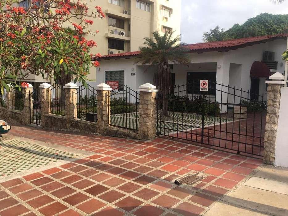 Casa comercial en el Barrio Alto Prado. Barranquilla. Excelente estado y ubicación