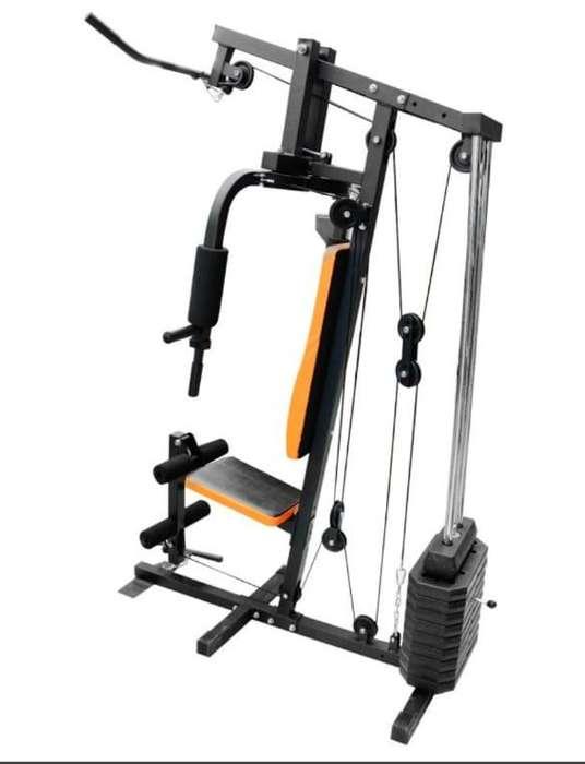 Multigimnasio Evolution Fitness Negro con Naranja