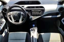 Toyota Prius C Sport año 2015 híbrida nueva!