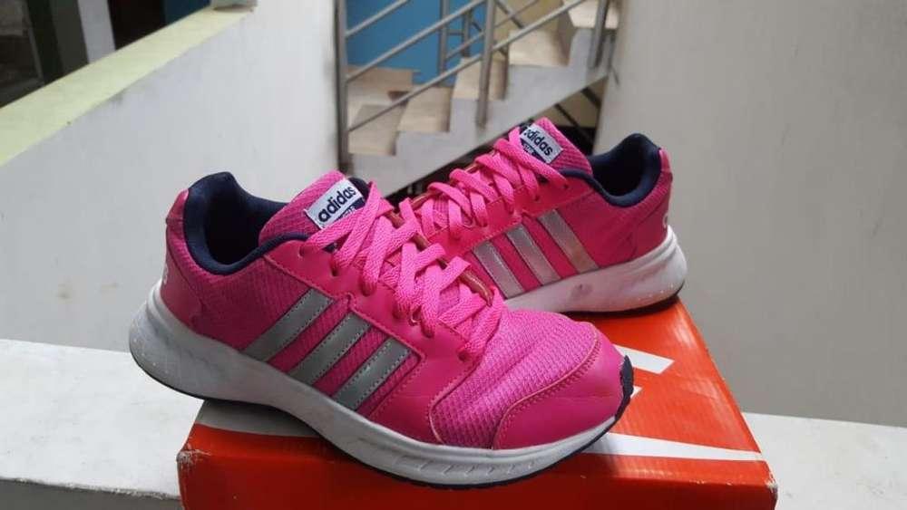 Adidas talla 39/40 Seminuevas 9.5/10 Originales