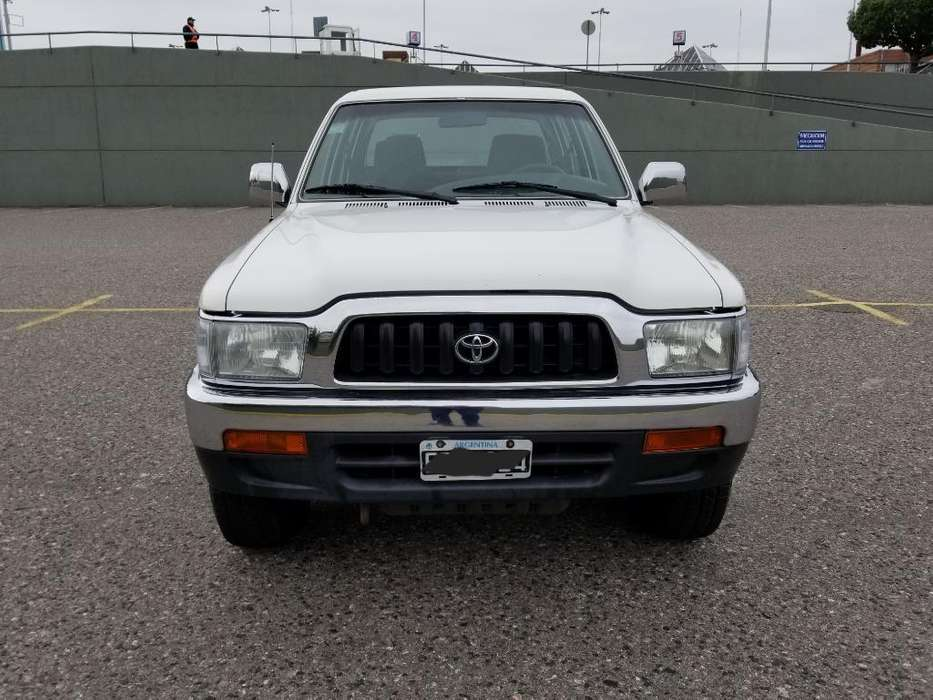 Toyota Hilux 2003 - 233000 km