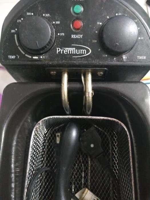 en Venta Freidora Marca Premium (usada)